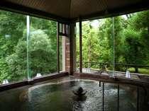 ■外から見た福梅の湯■檜の露天風呂がございます。外の空気を感じながら心行くまで温泉をお愉しみ下さい。