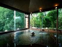 大浴場■福梅の湯■温泉でゆったりと。梅を形どった赤御影石の湯船がかわいく、女性に人気です♪
