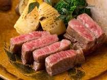 ≪最高級A5ランク!≫肉質のキメが細かい能登牛。舌の上でとろけるような柔らかさ、甘味を