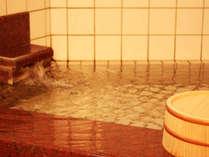内湯は、城崎では3箇所しかない源泉かけ流しの湯です!