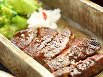 【豊後牛ステーキ】豊後牛は大分の恵まれた自然の中で育まれ、風味豊か・とろけるような味わいが特長。