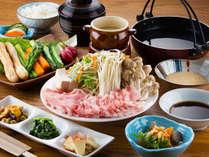 【夕食一例】ひこま豚を使ったぶたしゃぶ!道産食材にこだわった夕食をお楽しみください