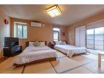 和室 ベッドタイプ露天風呂付のお部屋です。