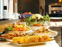 【朝食一例】お好きなものを組み合わせる楽しみも、ホテルでの朝食ならでは!