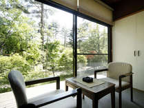 8畳2間続の和室(一例)お部屋が2間ございますので、広々としています。