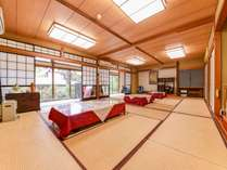 **和室20畳(客室例)/広々としたお部屋はグループや三世代ファミリーでのご宿泊におすすめ