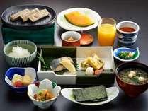 選べる朝食(和定食)旅館の朝はやっぱり和食!と言うお客様に。身体に優しいお粥もお選びいただけます。
