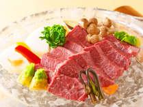 *【神戸牛焼き】涼し気な耐熱のガラス板でお好みの焼き加減でお楽しみください。