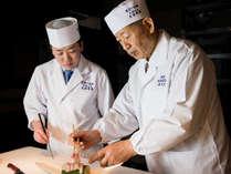 *【勲章料理人:大田忠道と料理長】日々新しい和食のあり方を探求しております。