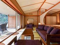 *【金泉露天風呂付・特別室】当館で最も贅沢なお部屋。広いテラスと客室露天を太閤気分でお楽しみください