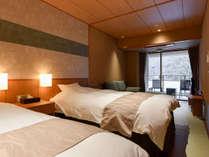 *【自家源泉_露天風呂付一例】和室にツインベッド、ソファーのあるお部屋です