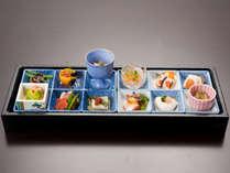 *【前菜・有馬十二坊】季節の食材で彩る12種類の前菜をお楽しみください。