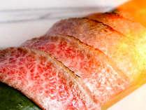 *【神戸牛×淡路牛食べ比べ】牛炙りを握りでご提供いたします。