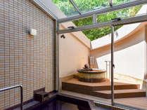 *【2019年4月新設・別館_和洋特別室】金泉露天風呂 春は桜の花が咲きます