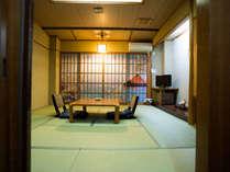 新館【風水部屋】には赤富士・舞鶴・幸運鯉・その他楽しめる14の風水部屋がございます