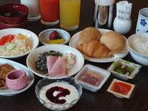 ご朝食は1Fレストランにてご用いたしております6:30~9:30