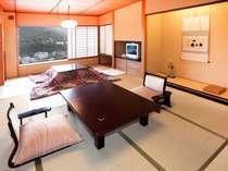 【タイプ1】和室12畳(37平米)芦ノ湖を階下に望む和室です。