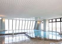当館最上階に位置する川治温泉郷の絶景を望める展望大浴場