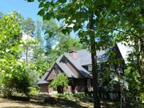 信州蓼科高原、チェルトの森に佇むお洒落な洋館です。