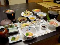 ■お料理一例■夕食は拘りの食材や富山の地のものをベースにした和風懐石ご膳を≪お部屋食≫で♪