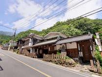 *大山の恵まれた大自然に佇む当館。400年の歴史を誇る宿坊で心洗われるひと時をお過ごし下さい。