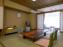 10畳の和室(バスなし、ウォシュレットタイプトイレ付き)の一例