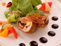 カマスのフォアグラ、鰻巻きロースト サラダ仕立て ~ご夕食のお料理の一例です~