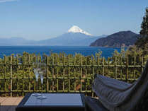 全客室から一望・駿河の海に浮かび立つ【世界遺産富士山】