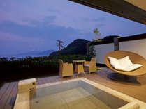 【客室】沖の嶺(おきのね)☆富士山と海の絶景を望む露天風呂付スイート