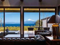【客室】海の丘(うみのおか)☆富士山と海の絶景を望む露天風呂付スイート