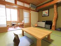 *客室一例(和室)/落ちついた雰囲気のある和室でのんびりとお寛ぎ下さい。
