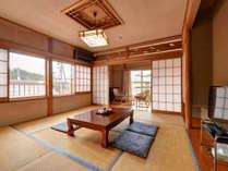 *【部屋一例/和室8畳】日常の喧騒を離れて、ゆっくりとお寛ぎください。