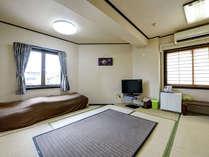 *【客室一例/和室】畳のお部屋でおくつろぎください。
