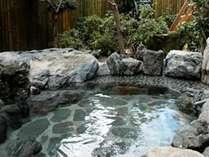 【露天風呂】宿には、内湯&大浴場が1か所あります。空いていれば何度でも貸切でご利用いただけます。