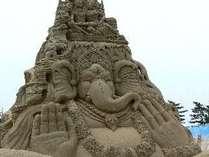 世界初の砂像の展示場【鳥取砂丘の砂の美術館】