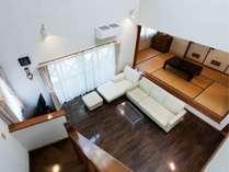 スイートタイプ戸建て2LDK(2階からリビング・和室)スイートタイプのリビングには全室ソファー完備