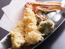 蟹天麩羅はカニ料理の中でも人気があります