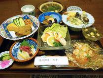 *夕食一例/板長がまごころ込めてお作りする日替わりメニューをお楽しみ下さい。