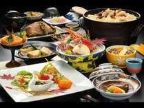 実り豊かな秋の創作料理では、香り高い松茸や山形名物の芋煮など、秋ならではの味わいをお届けいたします。