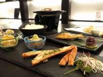 当館では地元の食材を使用したお料理となっております。※写真はイメージです。