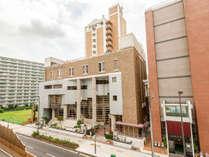 JR森ノ宮駅より徒歩約8分。近隣には、大阪城公園や法円坂遺跡復元倉庫など歴史的な観光名所がございます。