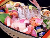 日本海男鹿半島の海の幸を「舟盛」でご提供