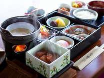 目の前でできるお豆腐にあったか薩摩揚げ。何から食べる?