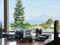 桜島を眺めながらゆっくり目の朝食を