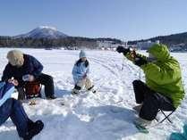 【わかさぎ釣り】釣ったあとは天ぷらに!氷上わかさぎ釣り体験付プラン/北海道ヘルシービュッフェ