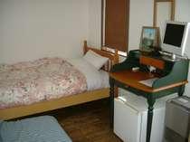 シンプルなつくりですが、コンパクトにまとめたお部屋です。