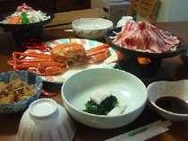 鉄板焼肉やズワイガニ、オーブンで焼き上げた魚料理などお勧めの料理の一つです。