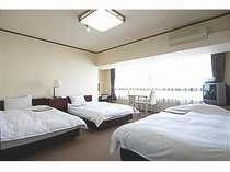 ☆トリプルルーム☆セミダブルベットが3つある広めのお部屋です。
