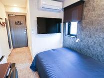 ◆シングルルーム◆全室セミダブルベッドをご用意しております。