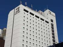 【梅田OSホテル】地下鉄谷町線「東梅田駅」直上・JR「大阪駅」から徒歩約 7分の好アクセス。